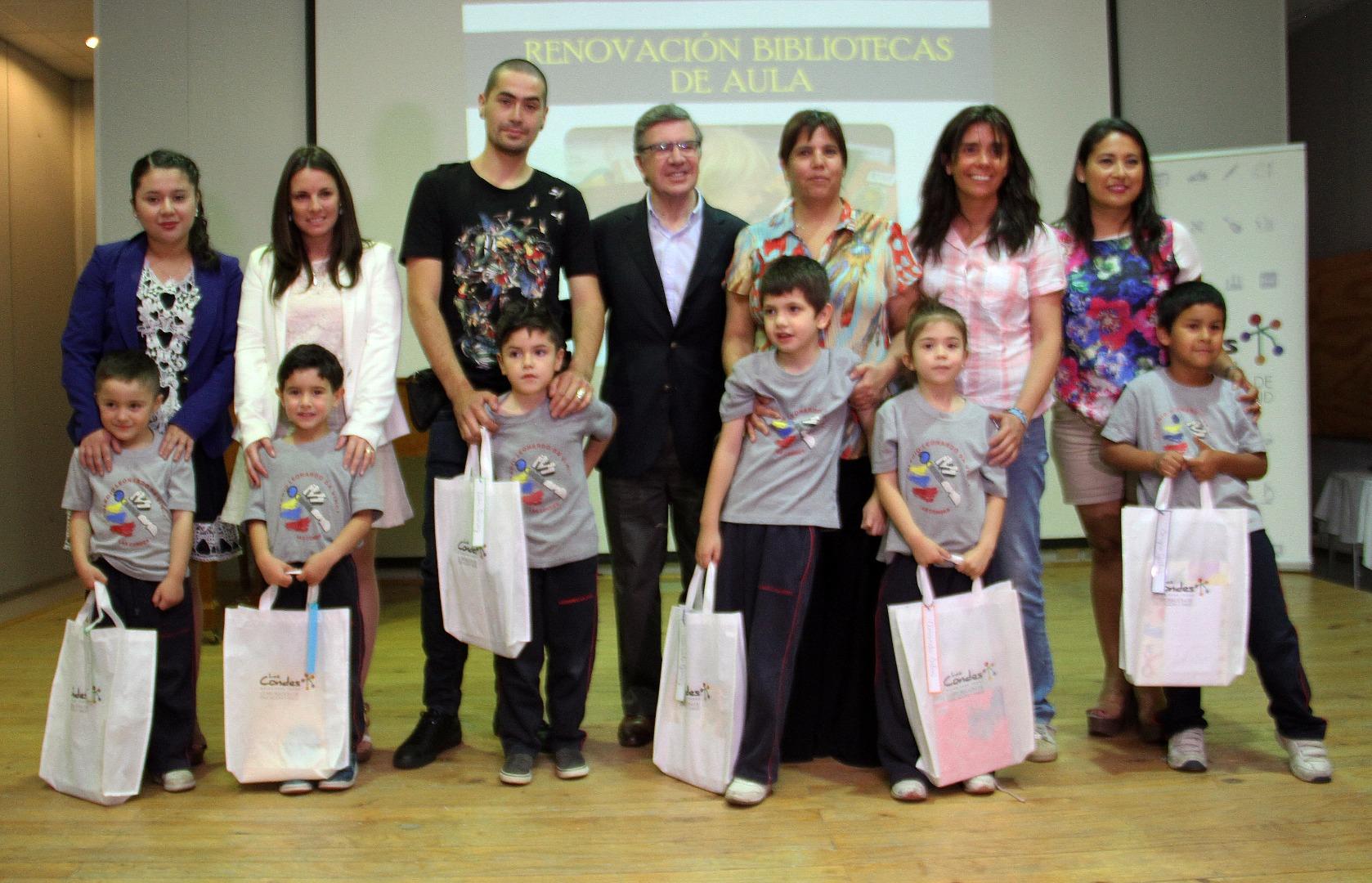 Alcalde con niños