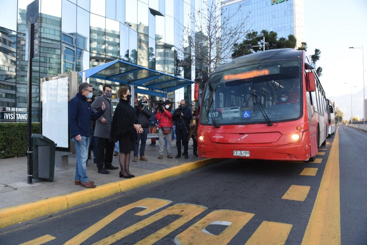Pista Solo Bus en Av. Manquehue